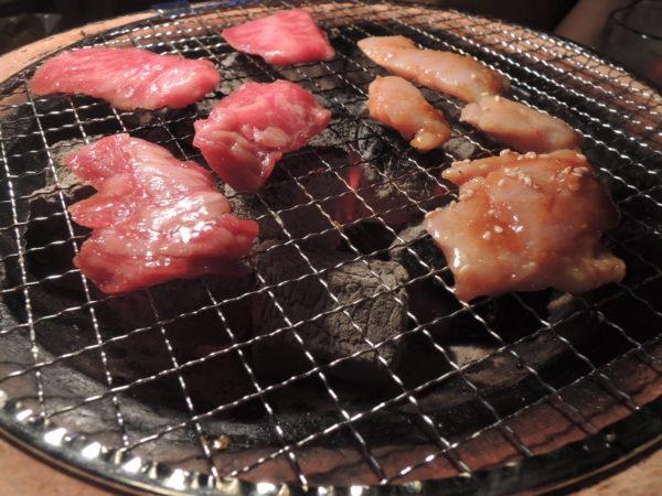 炭火焼肉MIYABIの焼肉