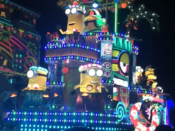 USJのスぺクタル・ナイトパレード