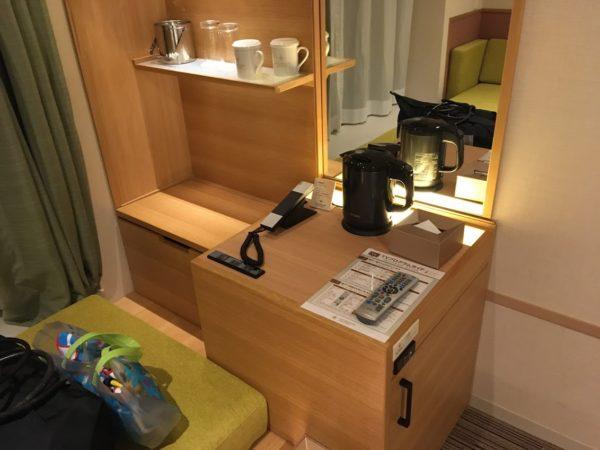 ザシンギュラリホテルの部屋の中