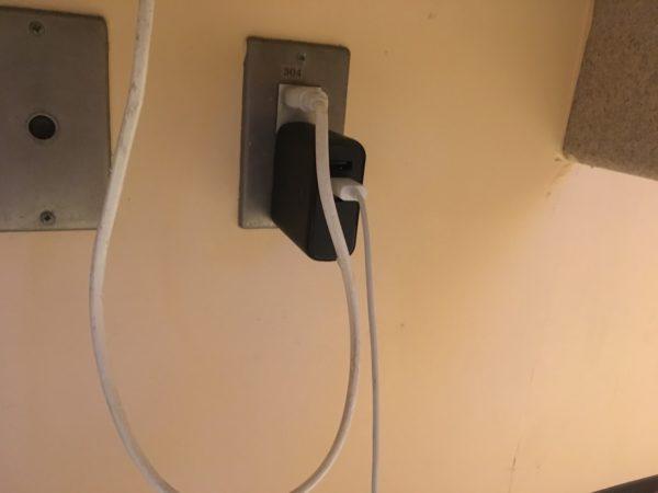 USJでiPhoneが充電できる場所